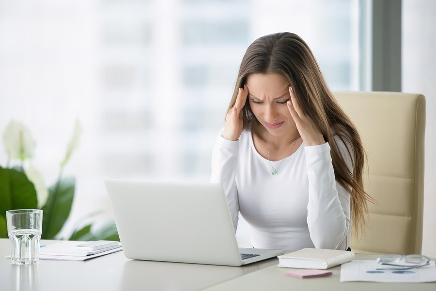 upset woman not seeing content marketing results